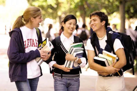 New Semester! International Students Share Their Must-haves!