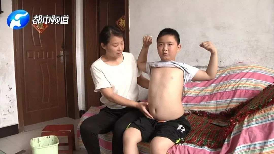 This Boy Gains 40 Pounds to Save Father's Life