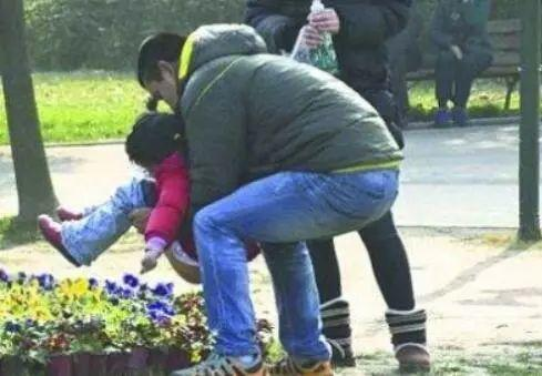 Chinese Child Defecates on Bus: Anger or Understand?
