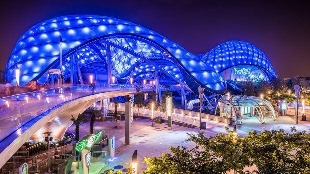 Unfair Clause? Shanghai Disneyland Sued for Food Policy!