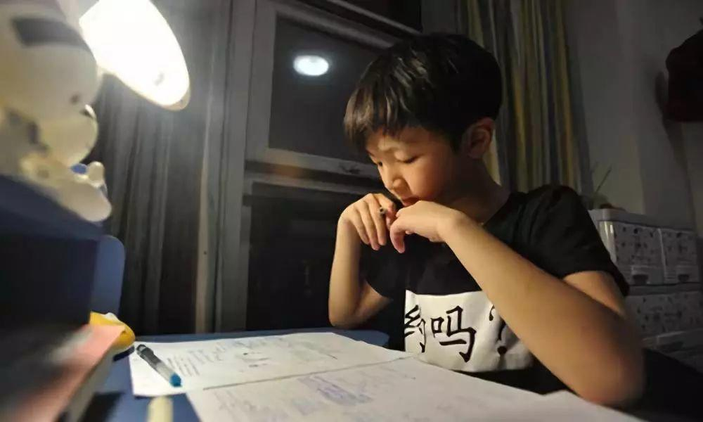 Chinese Boy Calls Police to Complain His Mom! What Happened?