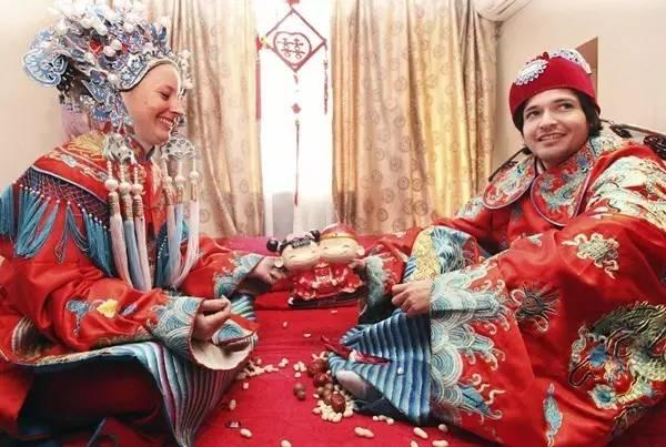 What? China Lowers Marriage Age to 18!?