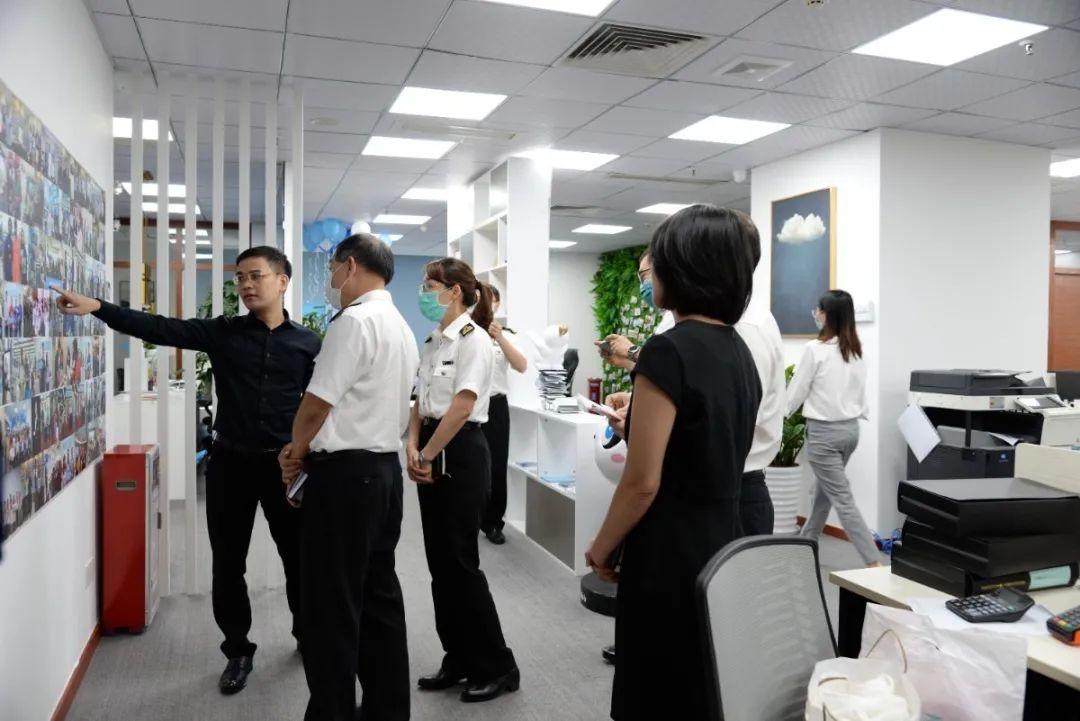 广州越秀海关等领导一行莅临瀚客商业调研指导