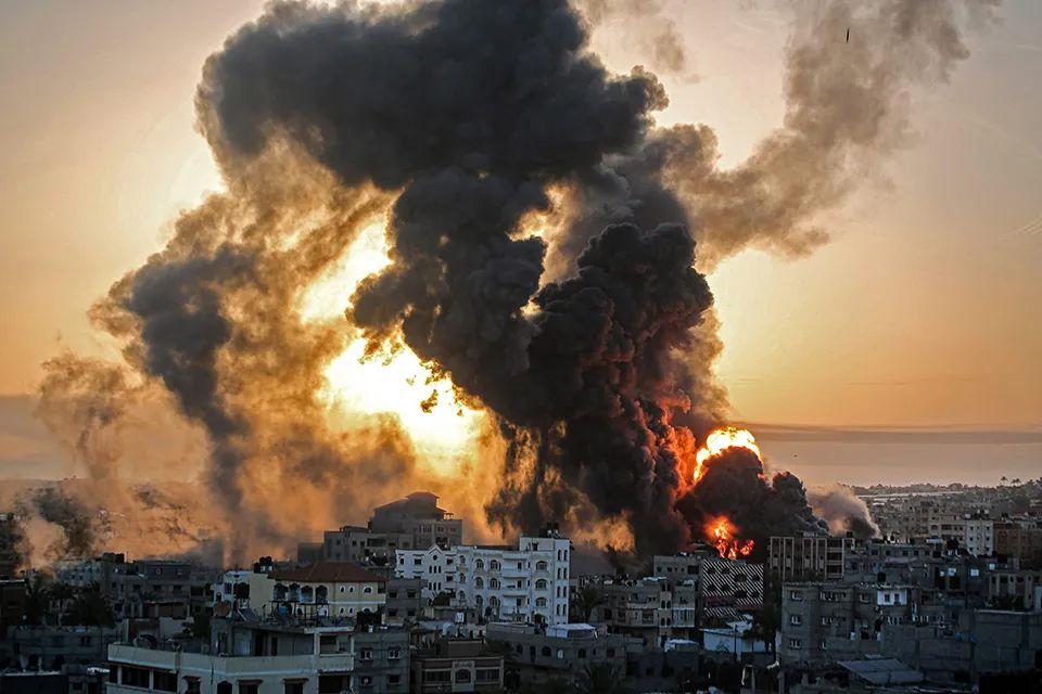 集装箱燃爆、以色列港口关闭、多国禁止开斋节返乡、大宗原材料价格上涨、中美经济复苏强劲等
