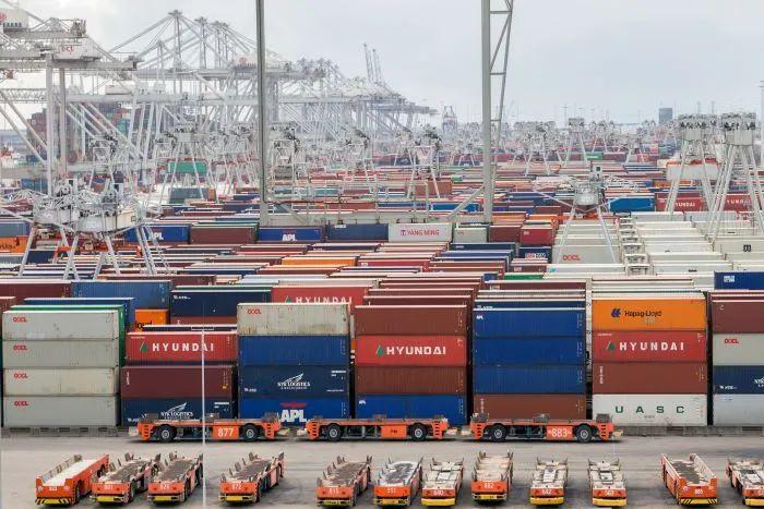 国内最大服装批发市场停业!缺箱局面将持续到2022年!马来西亚从全面封锁等!