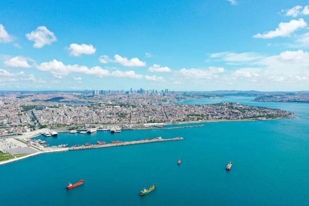 亚马逊封号升级,欧洲两大港口拥堵、香港16艘船起火、各大船公司FAK和GRI价格上调、出口埃及新规等